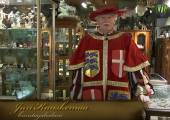 VIDEO! Heeroldi jutud: vaata, milliseid aardeid peidab antiigiäri varasalv
