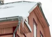 VIDEO! Vahelduvad ilmaolud kasvatavad ohtlikke jääpurikaid
