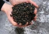 Kristiines jätkatakse libedusetõrjeks tasuta graniitsõelmete jagamisega