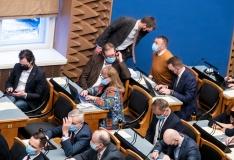Riigikogu peab kaugosalusega istungid, mitu parlamendisaadikut sai positiivse koroonatulemuse