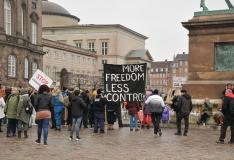 Taani avab osaliselt koolid ja poed