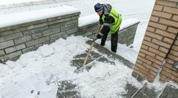 Uuring: pea pooled eestlased oleksid nõus maksma lume koristamise eest