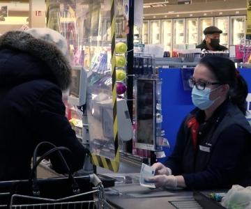 VIDEO! Lasnamäe linnaosa pidas naistepäeva puhul meeles müüjaid