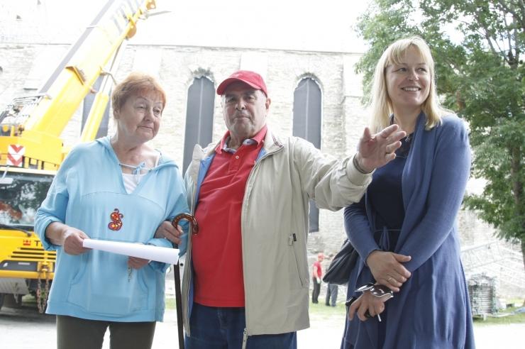 FOTOD! Birgitta festivali kaitseb 20 tonnine katus