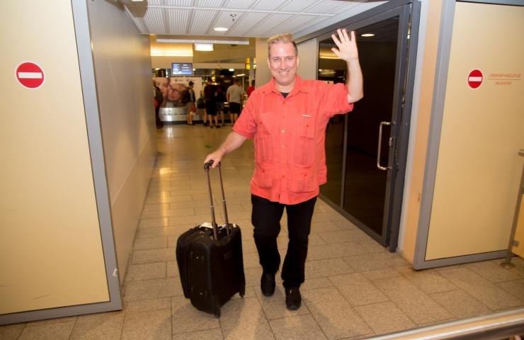 GALERII: Kalev Mark Kostabi saabus Tallinna