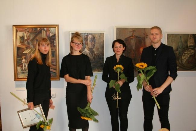 Adamson-Ericu stipendiumi võitis noorte kunstike kollektiiv Rundum