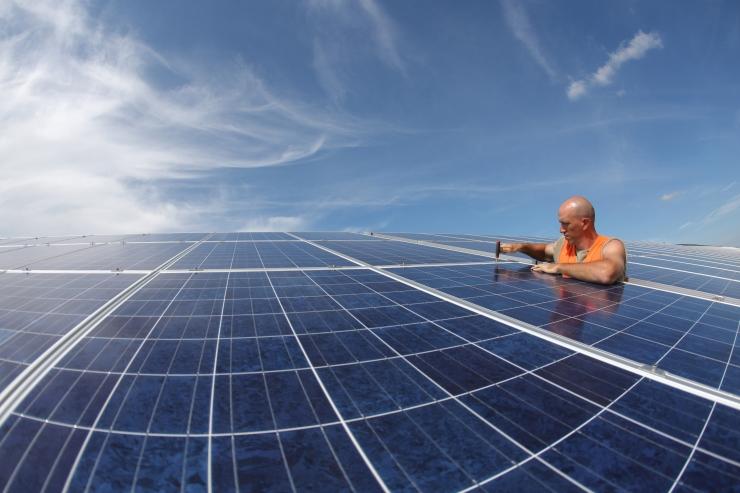 Päikesepaneelid ja nutiseadmed teevad hruštšovkadest moodsad smartovkad