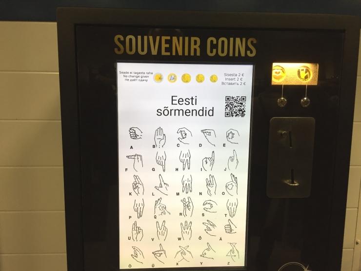 Kuulmispuuetega laste toetuseks saab uutest automaatidest osta kauneid meenemedaleid