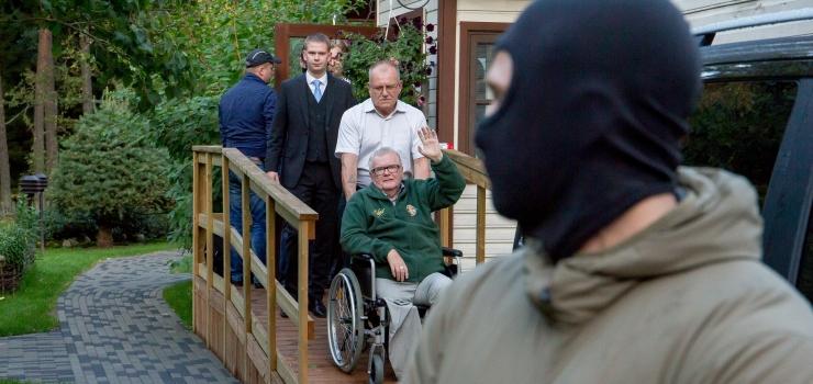 """Seriaal """"Savisaare protsess"""" paljastab, kes, miks, millal ja kuidas jälitavad opositsioonijuht Savisaart"""