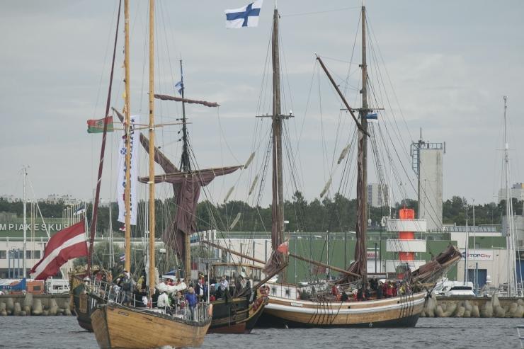 FOTOD JA VIDEO! Tallinna merepäevad algasid suurejoonelise paraadiga