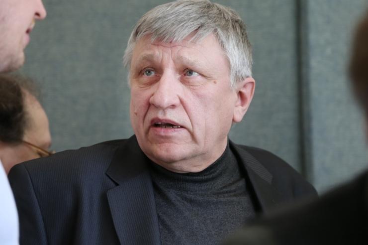 Toomas Kall: nõukogude ajal oli konkreetne vaenlane, kelle üle irvitada!