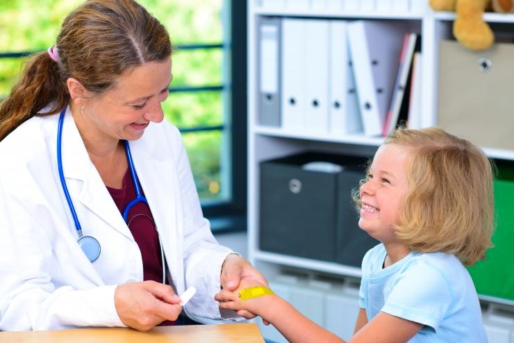 Haigekassa maksab perearstidele lisatasu ligi 2,4 miljonit eurot