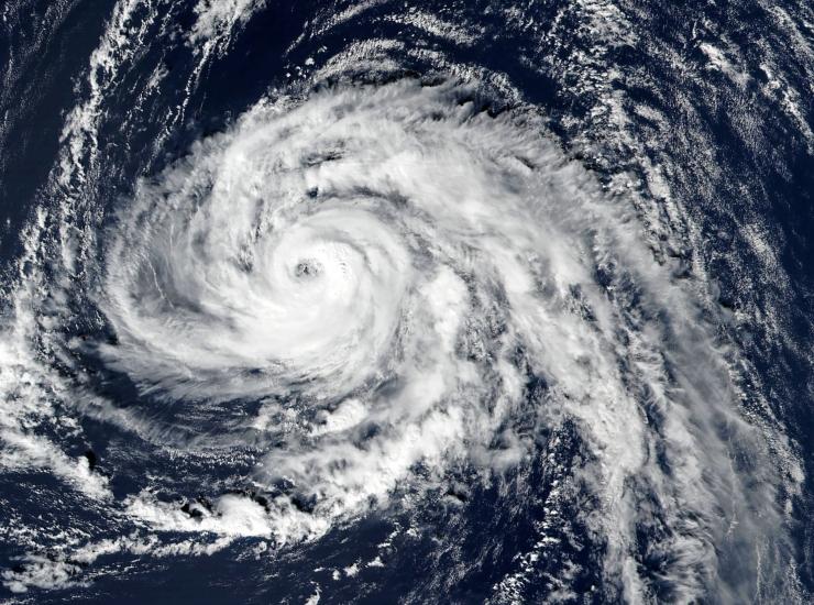 Päästeamet: Orkaan Ophelia paneb Iirimaa proovile, Eestisse tormituuled prognoosi järgi ei jõua