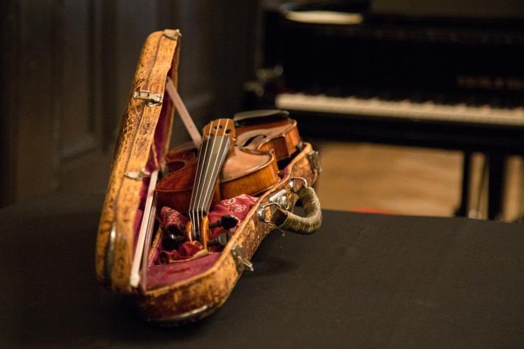 Pillifondi kogu täienes enam kui 400 aasta vanuse viiuliga