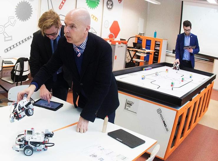 Esimene nutikas Lego labor teeb koolitunnid robotitega põnevaks