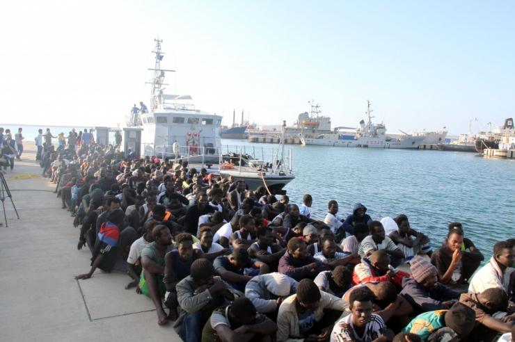 Itaalia valitsus käskis päästelaevadel Liibüa võimudelt abi otsida