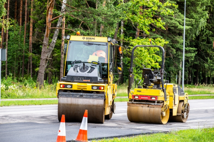Tänavatel toimuvad ühistranspordipeatuste taastusremondi tööd