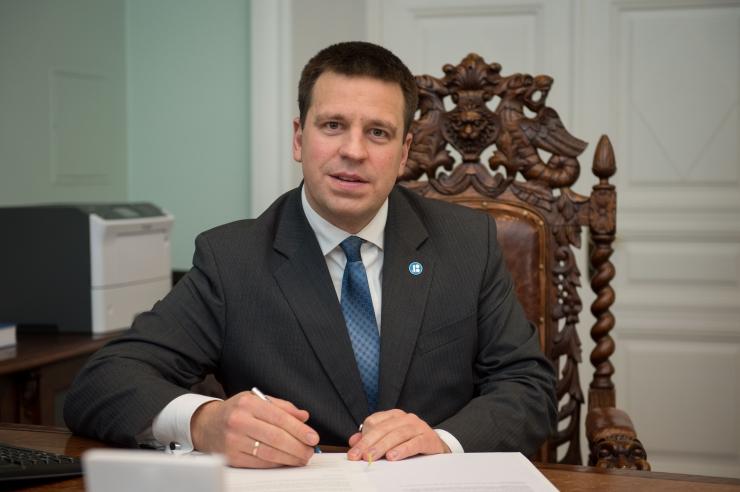 VIDEO! Peaminister Jüri Ratas proovis viiplemist ja võrukeelset tervitust