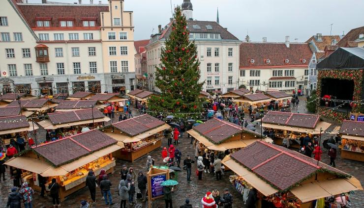 VIDEO! Tallinna linnapea: esimene jõulupuu maailmas oli püstitatud siia, Tallinna Raekoja platsile aastal 1441