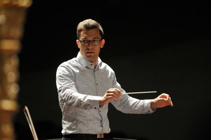 Noor dirigent ja koorijuht Edmar Tuul näitab uljust ja uut etappi karjääris