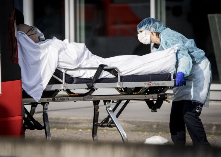 Hispaanias suri ööpäevaga uue koroonaviiruse tagajärjel 378 inimest