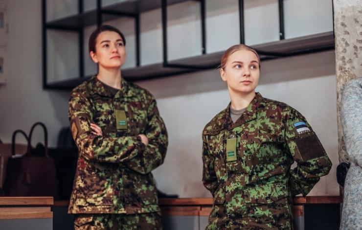 Kaitsevägi kutsub naisi videosillas riigikaitse teabepäevadele