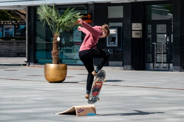 FOTOD! Arhitekt Lapin nurisejatele: Vabaduse väljakul võiks olla veelgi rohkem rulatajaid ja noorte melu, lisaks turg ja tänavateater