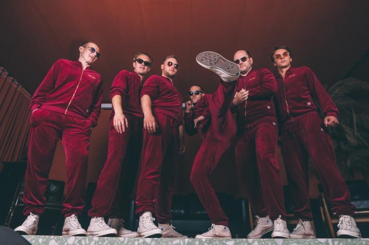 Lexsoul Dancemachine'i kontsert sõitva bussi katusel lükkub edasi