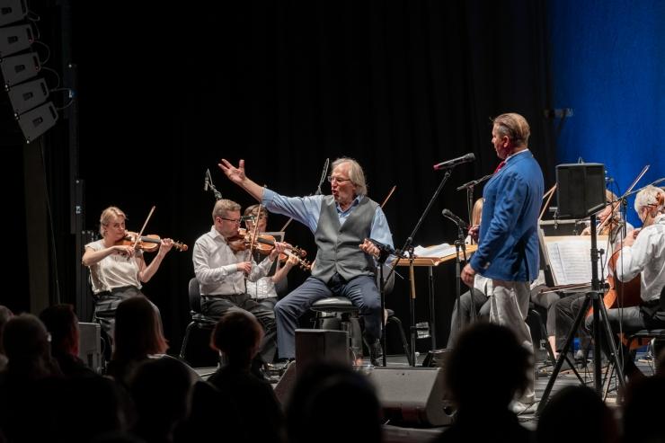 """PILDID: """"Vana madrus"""" kontserdil kõlasid eestikeelsete merelaulude uued seaded"""
