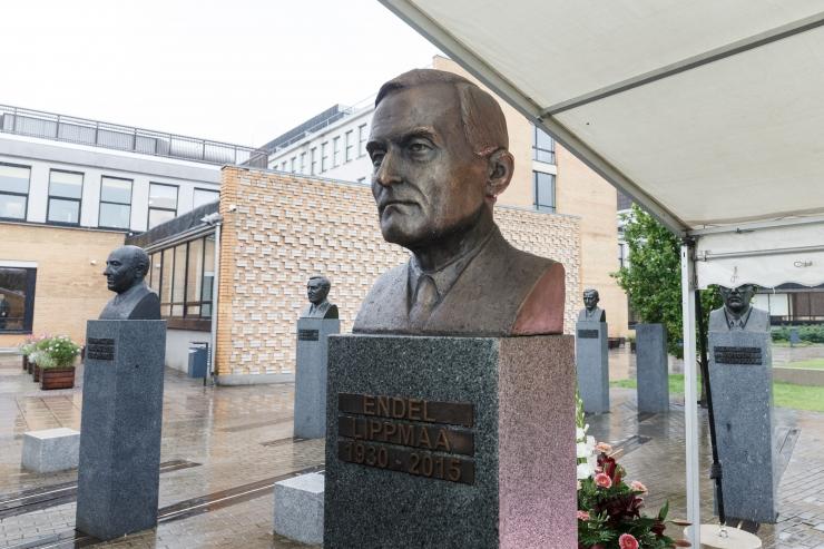 Nõmmel avatakse akadeemik Endel Lippmaa mälestuspink