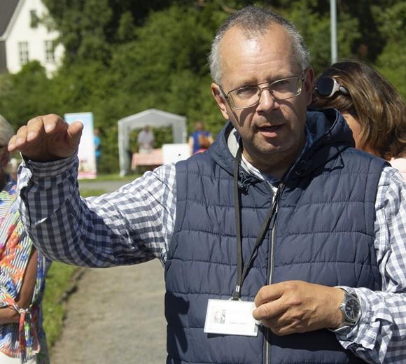 Botaanik Urmas Laansoo tutvustab Pirital veidraid taimi