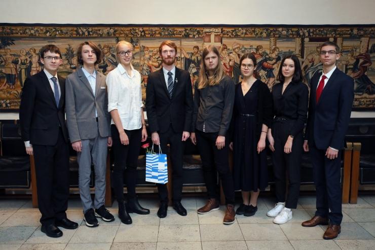 VIDEO JA GALERII! Tallinn tunnustas rahvusvahelistel olümpiaadidel osalenud õpilasi