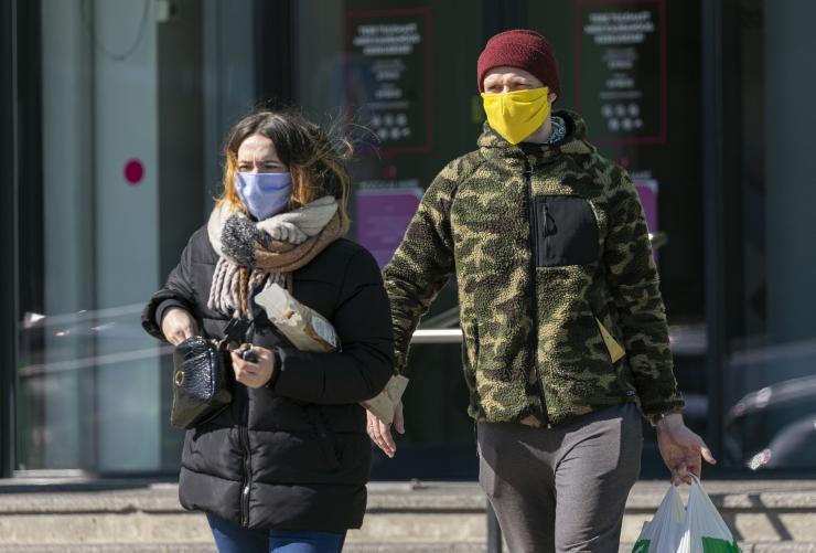 Teisipäevast on maski kandmine avalikes siseruumides kohustuslik