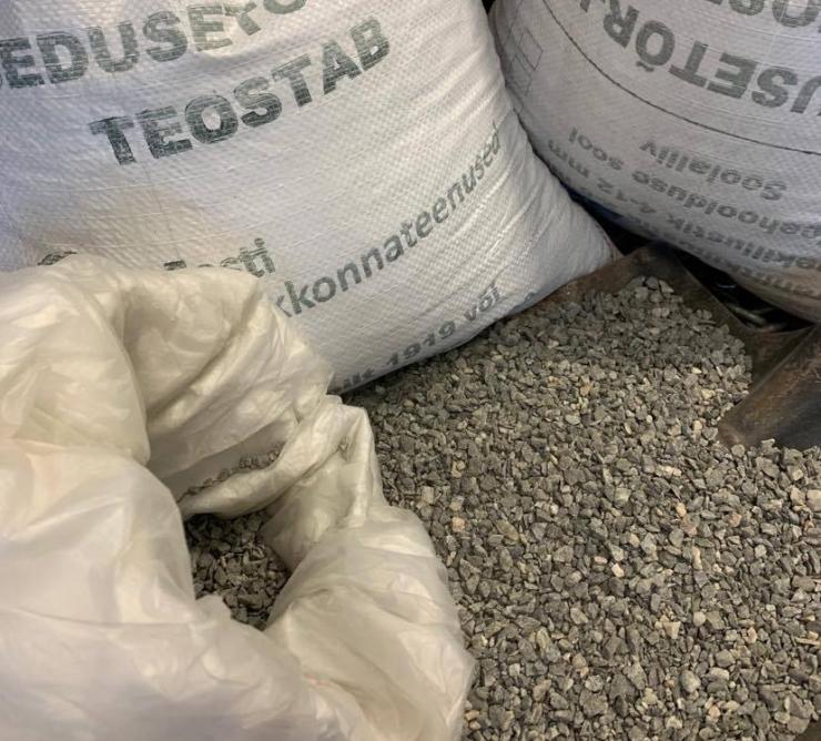 Pirita jagab libedustõrjeks ligi kolm tonni graniitsõelmeid