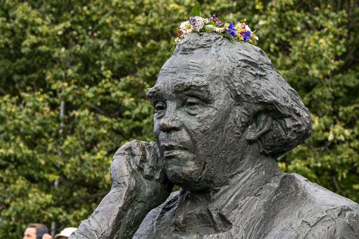 Lasnamäel paigaldatakse mälestustahvlid metropoliit Korneliusele ja Gustav Ernesaksale
