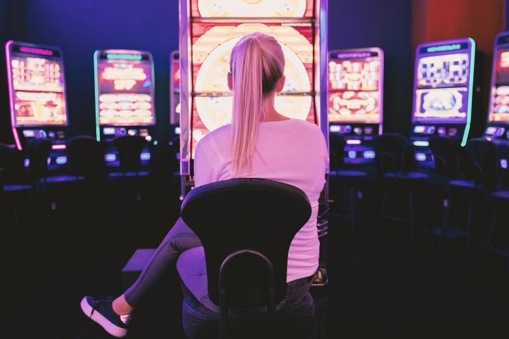Riik toetab hasartmängusõltuvuse nõustamiskeskust 200 000 euroga
