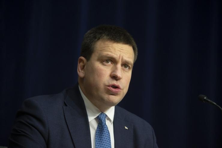 Peaminister katkestas visiidi Ida-Virumaale, sest on lähikontaktne