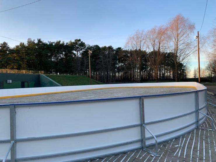 Pirital käib tempokas jäähokiväljaku ehitamine