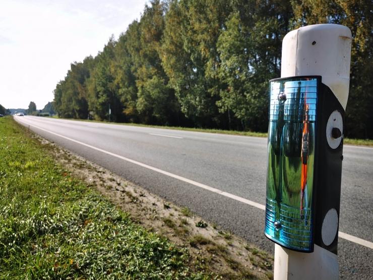 Metsloomade kaitseks on Eesti teedele paigaldatud üle 800 reflektori