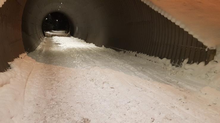 Nõmme tunnelise veetud lumi suurendab suusatajate sõidurõõmu