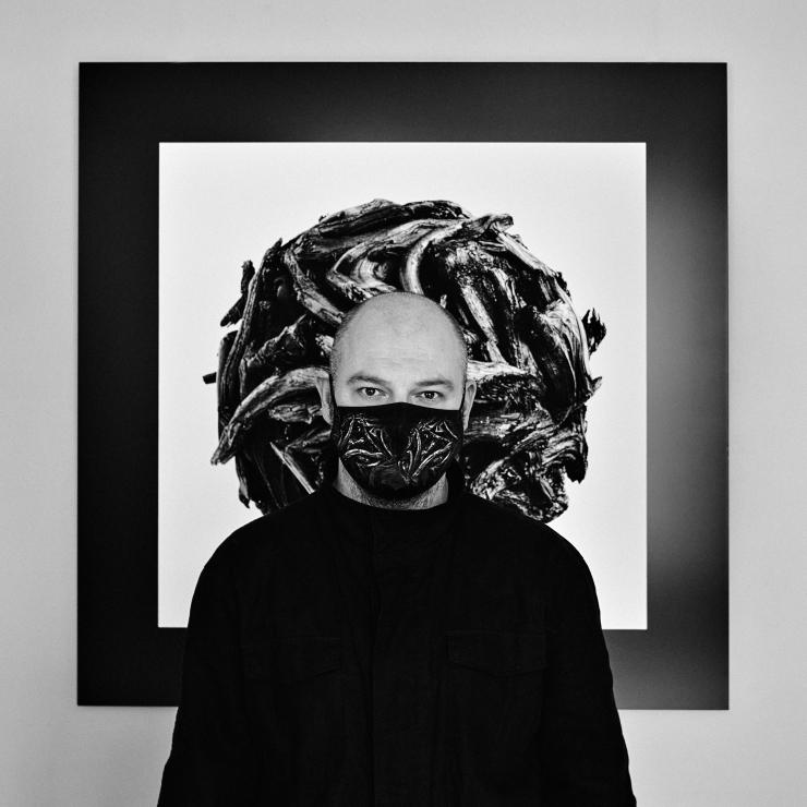 """OKAPI Galerii esitleb: Kaupo Kikkase installatsiooni """"SFÄÄR-20"""""""