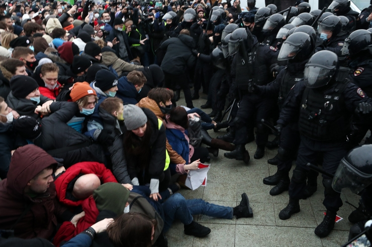 Venemaal on meeleavaldustel kinni võetud üle tuhande Navalnõi...