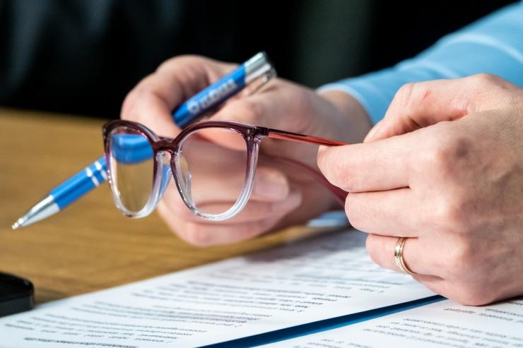 Tööandjad tahavad pettuste kartuses piirangut prillide hüvitamisele