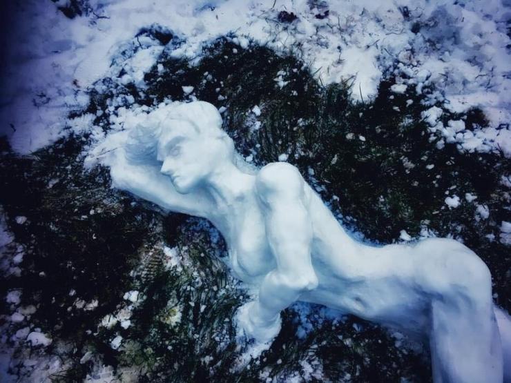 GALERII: Kristiines püstitati konkursi raames sulailma eel veerandsada lumememme