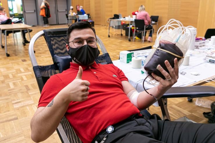 VIDEO JA GALERII! UUS REKORD: Kaja keskuses käis verd loovutamas üle 40 inimese