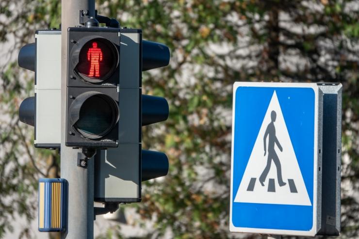 Liiklusavarii tõttu ei tööta Mere pst ja Sadama ristmikul valgusfoorid