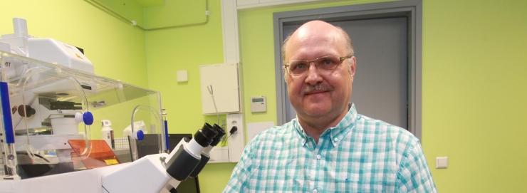 Viroloogiaprofessor Merits: praegu oleks piisav kontaktide vähendamine viiendiku võrra