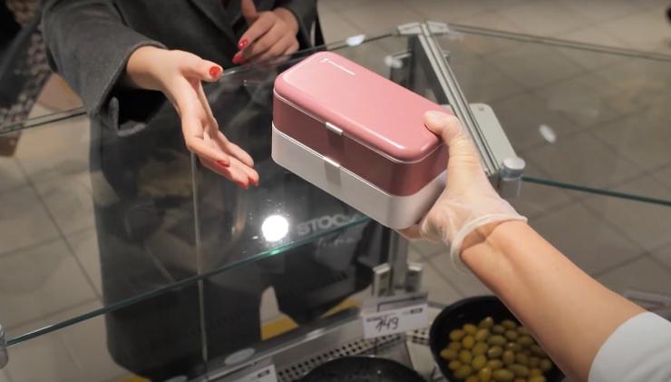 VIDEO! Korduvkasutatavaid toidukarpe saab nüüd puhastada ka poes