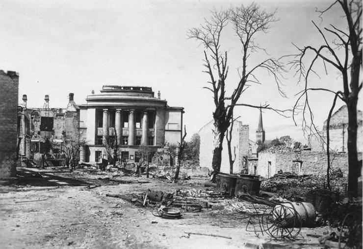 Soomlased aitasid märtsipommitamise ajal Tallinna suurematest purustustest päästa?