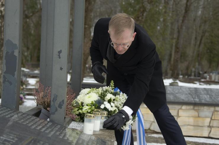 VIDEO JA FOTOD! Tallinnas mälestati märtsipommitamises hukkunud kaaslinlasi